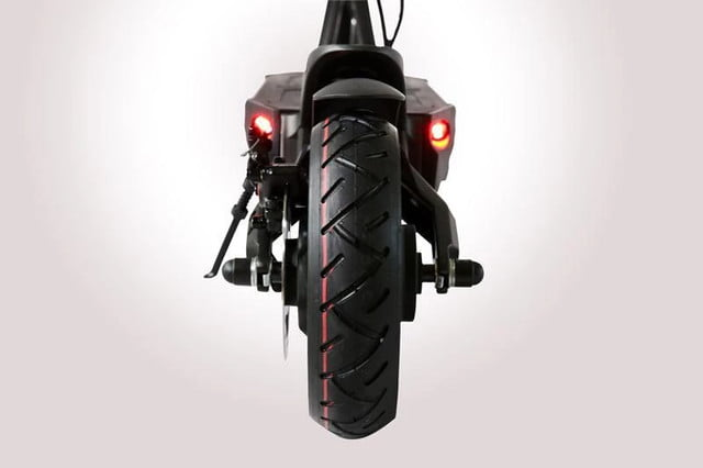 be the fastest standing commuter in town with 40 mph mantis e scooter fluidfreeride electric 12