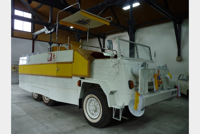 10 sweet popemobiles that will make you wish held the keys of heaven fsc star 660  1979 8