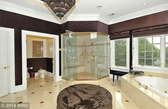 homes with their own shark tanks gilbert arenas sharks 22