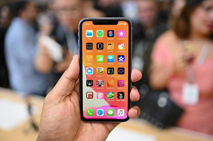 iphone 11 hands on jc front apps 1