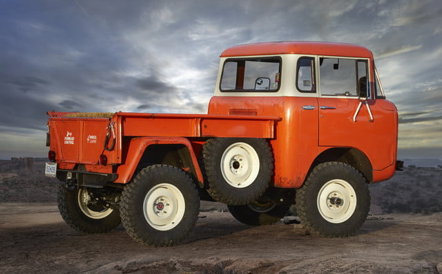 Jeep FC 150 Heritage Vehicle