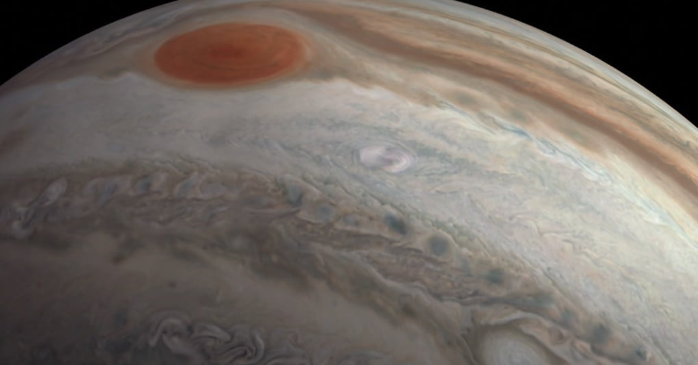 Fly over Jupiter in this citizen scientist's gorgeous cinematic video