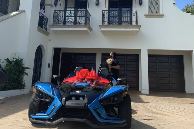 dodgers pitcher kenley jansen gave wife gianni polaris slingshot for mothers day and hansen 01