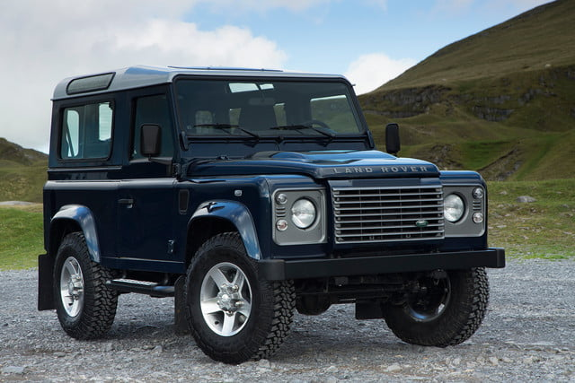 11 cars that will go extinct in 2016 land rover defender 17