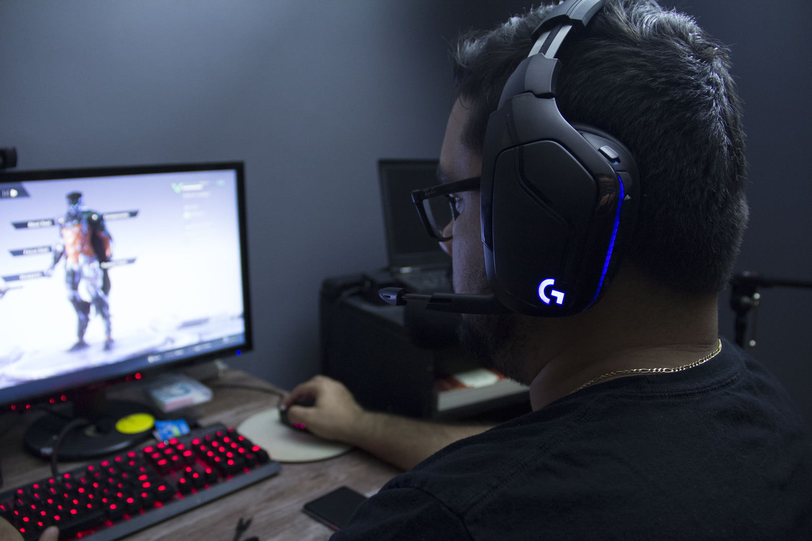 Logitech G935 and G432 Review: Great Gaming Headsets With
