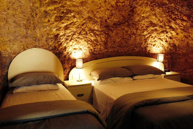 coober pedys residents live in underground dugouts lookout cave motel 005