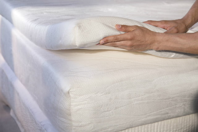 lumas slumber system is a two part mattress delivered to your door lumaslumbersystemlayers