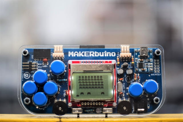 makerbuino handheld gaming kickstarter makerbuino4