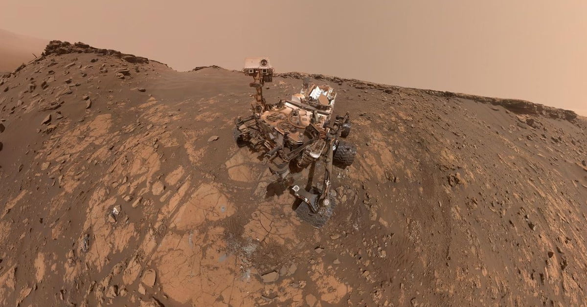 Mars Curiosity rover is embarking on a summer road trip