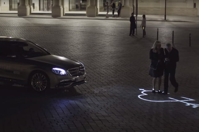 Mercedes-Benz Digital Light Headlights Display Messages on