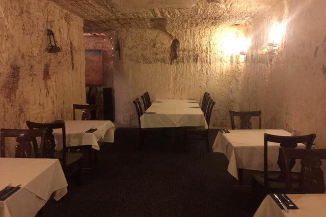 coober pedys residents live in underground dugouts old miners dugout cafe 002