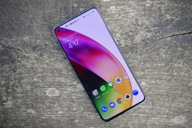 pixel 5 oneplus 8t galaxy s20 fe shootout buying guide screen front