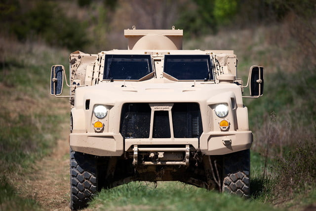 oshkosh 6 75b military contract pictures specs news jltv 005