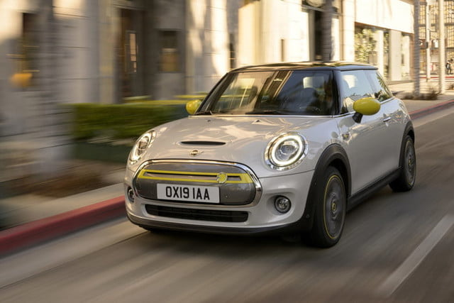 2020 mini cooper se electric city car specs range and price p90357220 highres the new