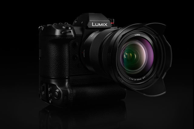 panasonic lumix s1 official announcement with grip