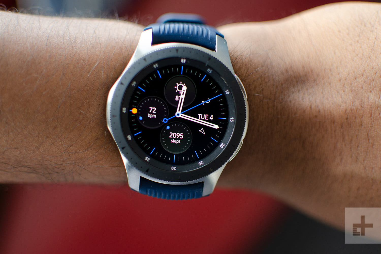 This Samsung Galaxy Watch Deal At Walmart Is A Perfect Manual Guide