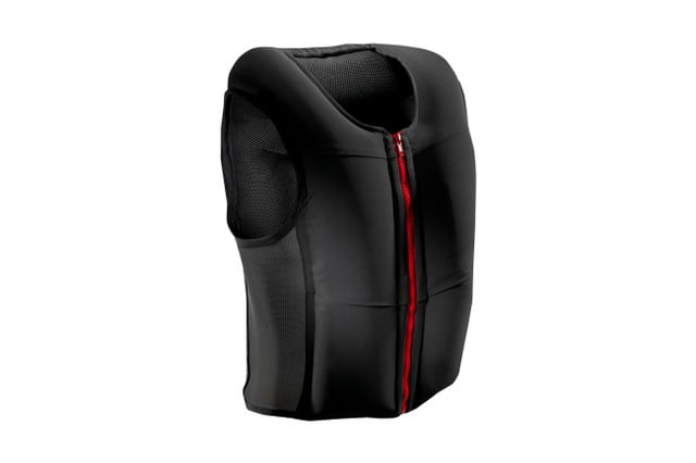 inmotion showcases smart moto airbag vest at ces 2017 2