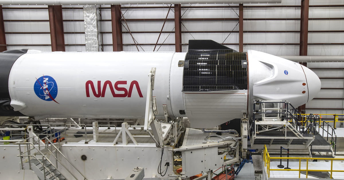 SpaceX pics show gleaming Crew Dragon and Falcon 9 ahead of historic launch