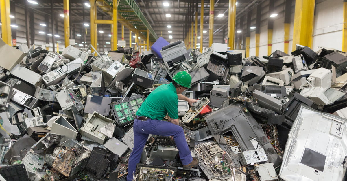 Why the U.S. is Terrible at Recycling Electronics | Digital Trends