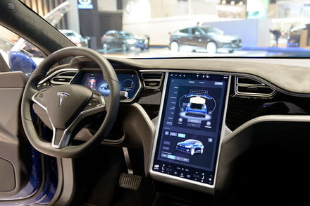 Tesla asked to recall vehicles over touchscreen safety issue thumbnail