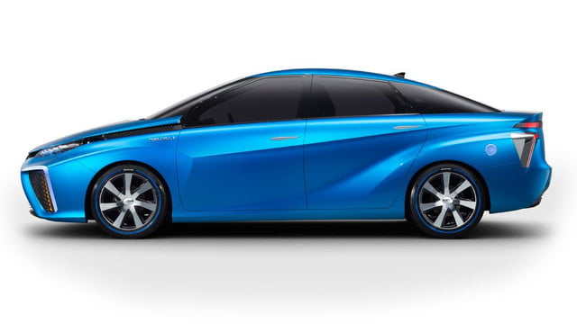 wait toyota releasing first hydrogen powered production vehicle december fuel cell 2
