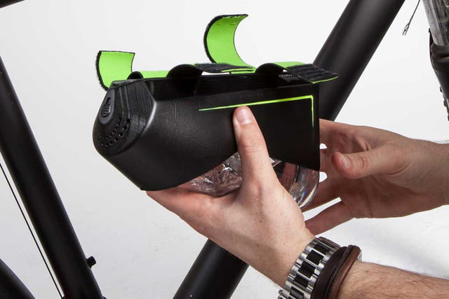 fontus self filling water bottle on indiegogo tyro41 1024x844
