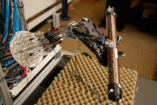 robotic hand dexterity uw movement control laboratory 001