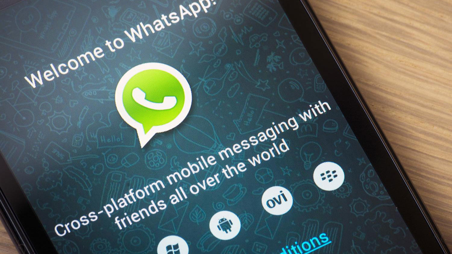 A message bomb is making iPhone Messages and WhatsApp freeze