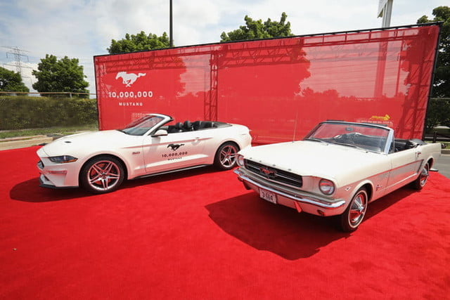 ford mustang 10 millones millionth celebration 2 700x467 c