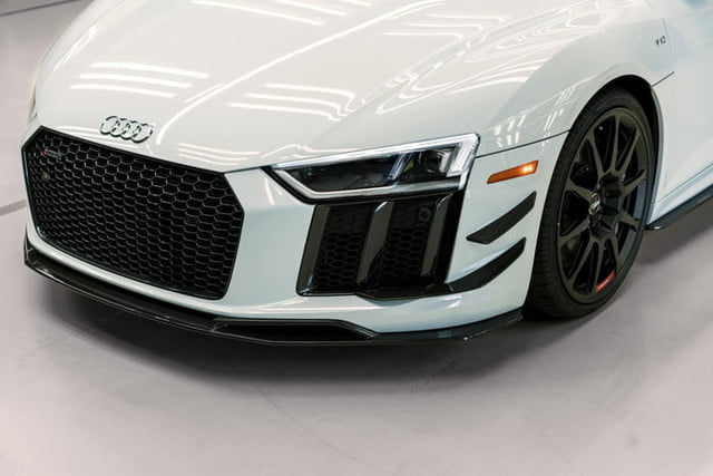 audi r8 v10 plus coupe competition 2018 package 4818 700x467 c