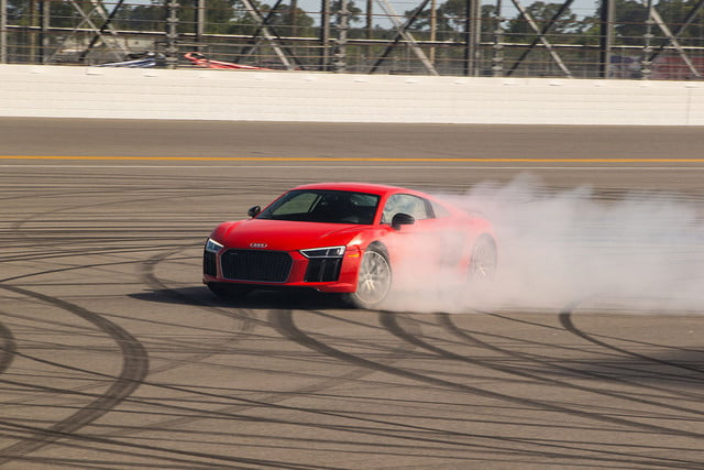 audi r8 v10 plus en daytona road trip 02