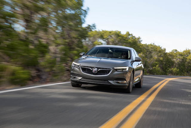 buick regal sportback 2018 2