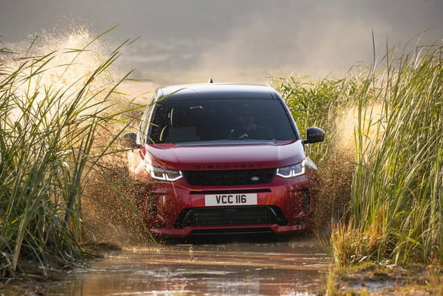 land rover discovery sport 2020 lrds20myoffroadnd210519002 700x467 c