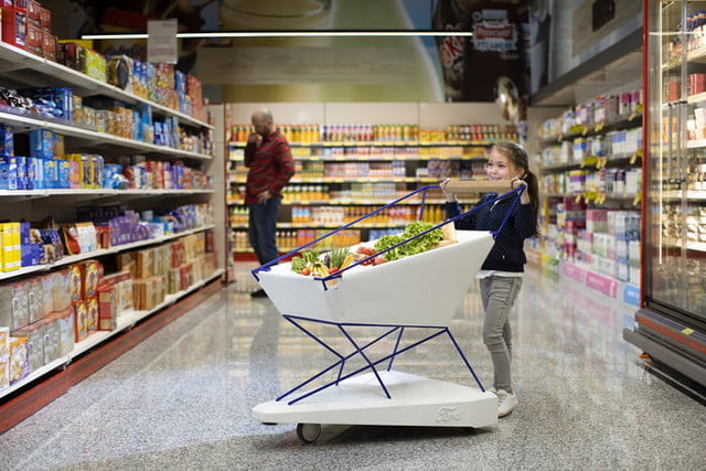 ford carro supermercado inteligente self braking trolley could help to make supermarket shoppi 700x467 c