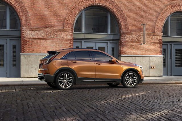 cadillac xt4 super cruise the 2019 was developed on an exclusive compact suv architect 3 640x427 c