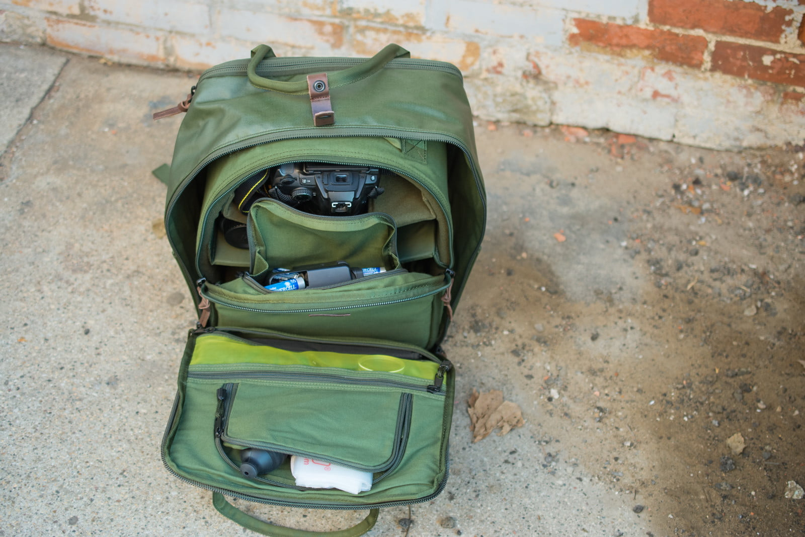 Langly Simple Camera Bag