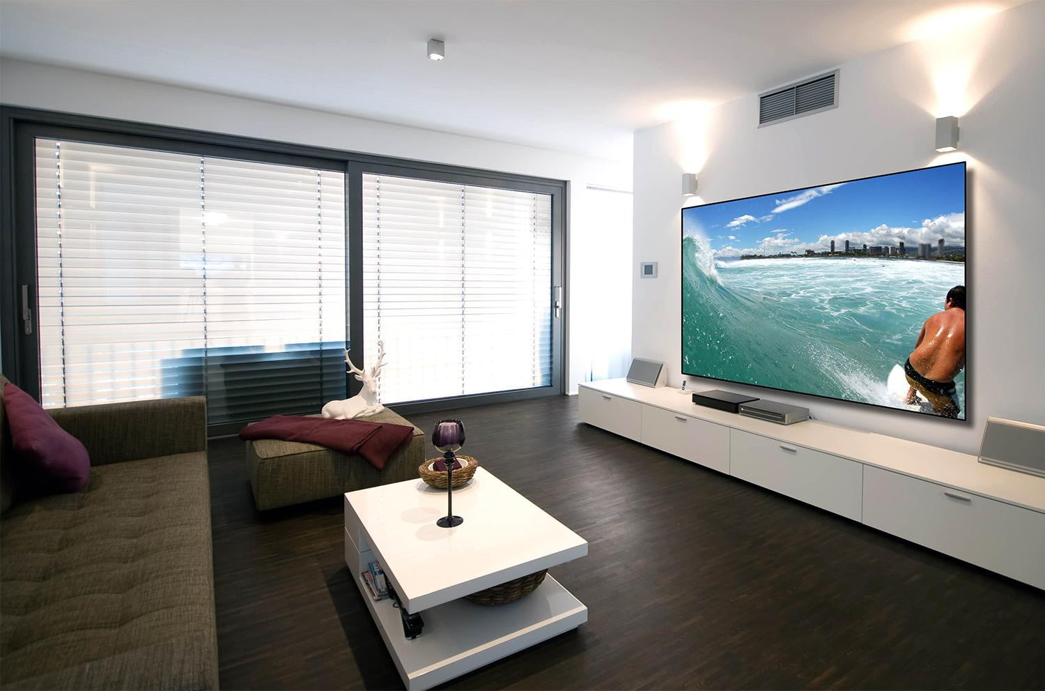 how to choose a projection screen digital trends. Black Bedroom Furniture Sets. Home Design Ideas