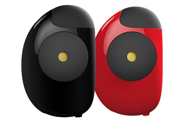 floome smart breathalyzer connects to your smartphone floorme red black press image