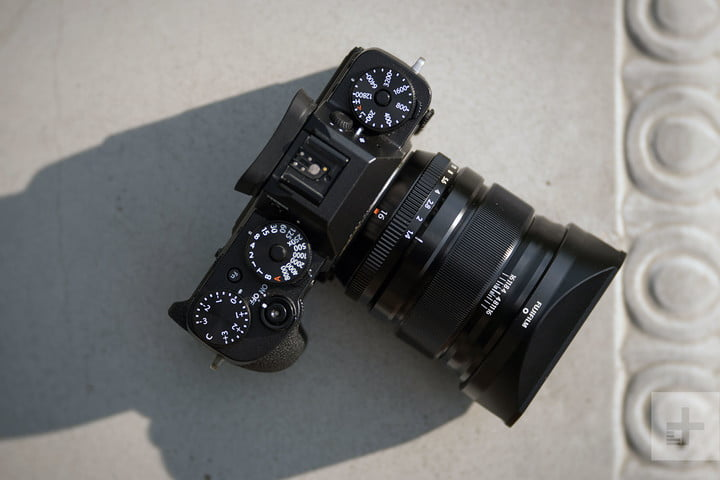 Fujifilm XF 16mm F14 R WR review top