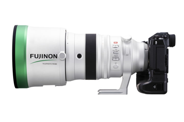 fujifilm 8 16mm 200mm f2 lenses announced xf200mmf2 with hood