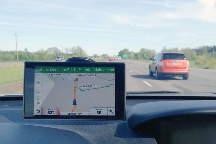 Best in-car GPS Garmin DriveLux GPS