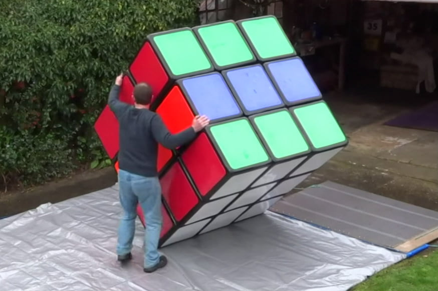 giant rubik 39 s cube needs brawn as well as brains to solve digital trends. Black Bedroom Furniture Sets. Home Design Ideas