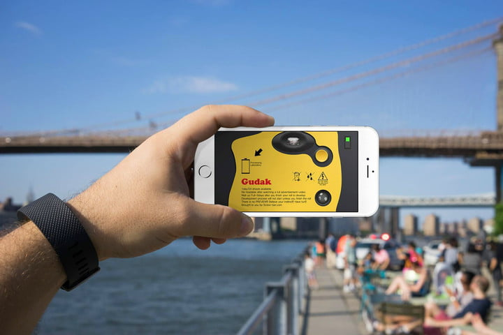 This camera app requires users to wait three days for pictures to 'develop'