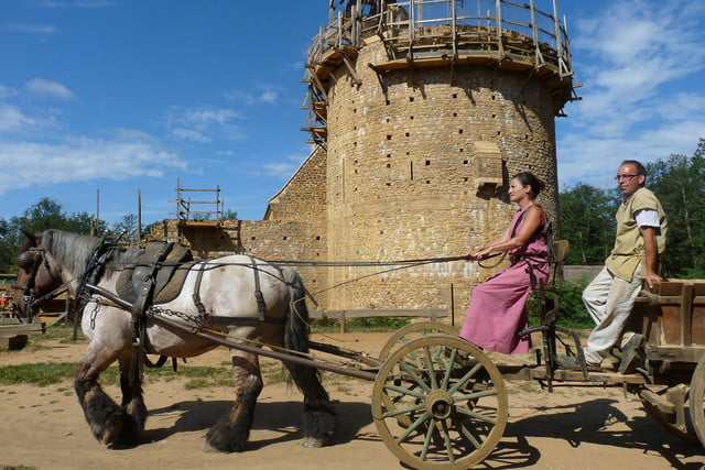 the guedelon castle is being built with 13th century techniques gu  delon 003