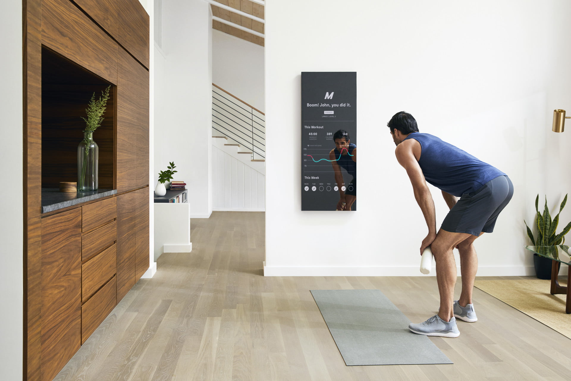 dread the gym this smart mirror delivers your fitness fix at home digital trends. Black Bedroom Furniture Sets. Home Design Ideas