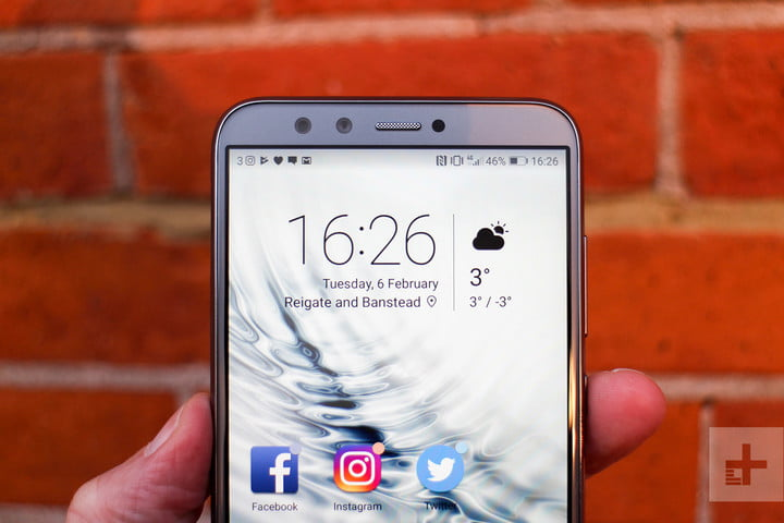 Honor 9 Lite review top front