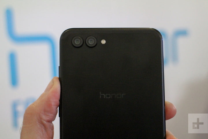 Huawei Honor View 10 review back top