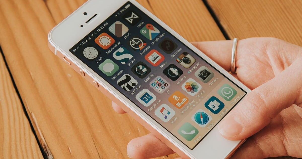 iPhone SE: 10 Common Problems, and How to Fix Them ...