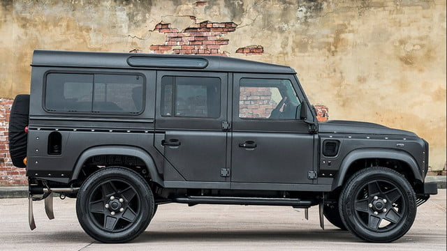 Kahn End Edition Defender