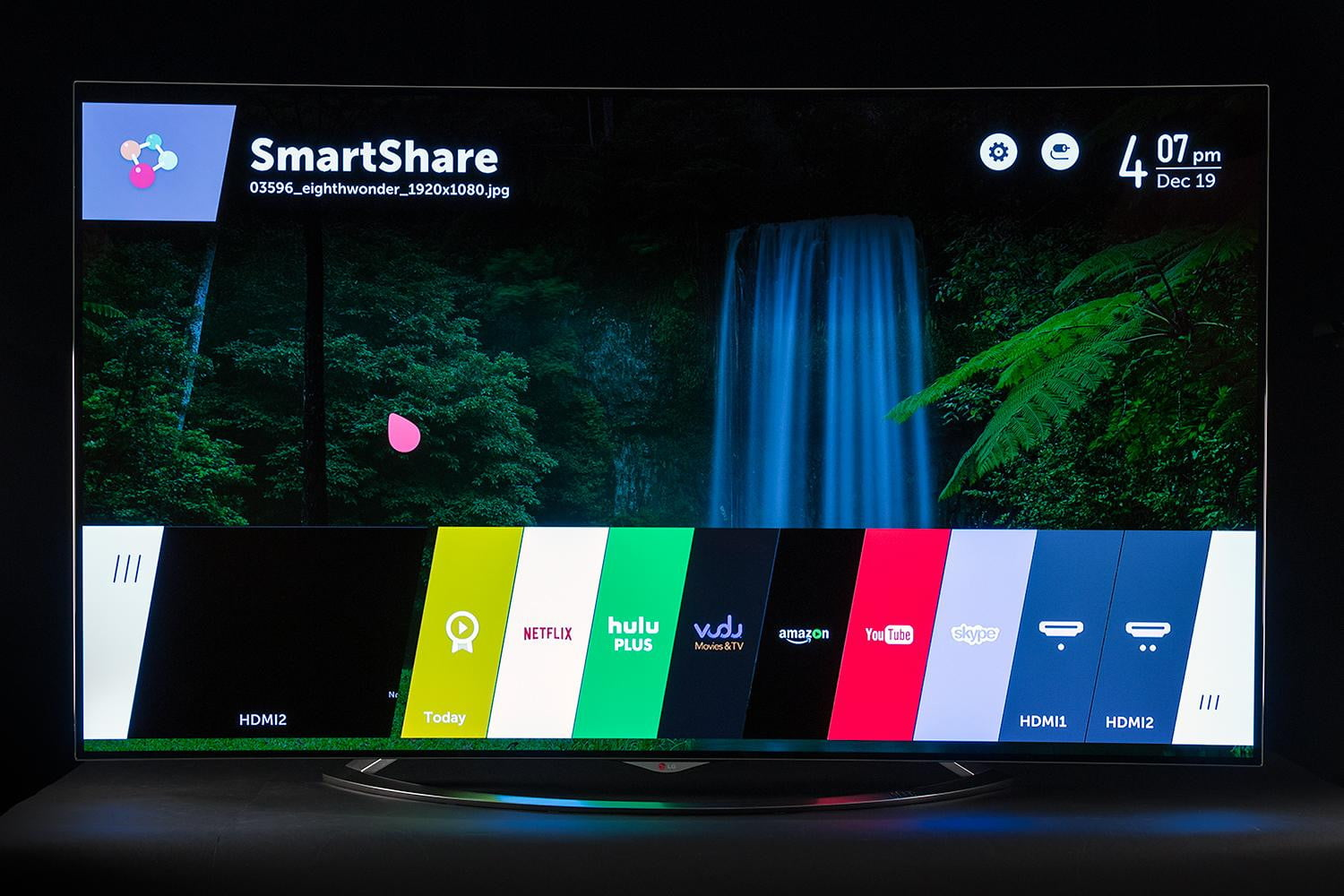 lg 65ec9700 review the best tv ever made will cost you digital trends. Black Bedroom Furniture Sets. Home Design Ideas